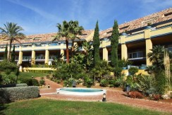 Spacious apartment in a prestigious area of ​​Marbella, Costa del Sol.