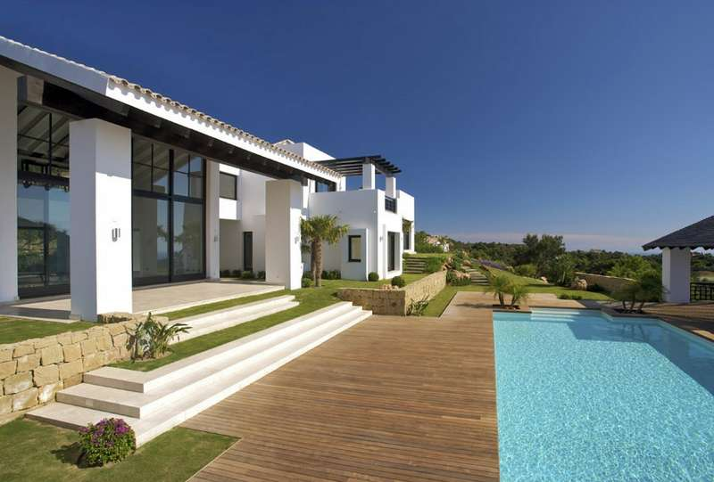 New contemporary villa in La Zagaleta.