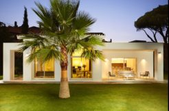 Modern villa close to the beach in Guadalmina Baja, Marbella.
