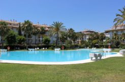 Cozy 2bedroom apartment with private garden in Dama de Noche, Puerto Banus.